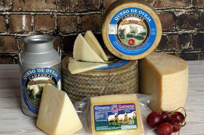 Bodegón con cántaro de leche y queso