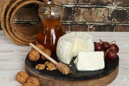 Bodegón artesanal queso fresco de Burgos